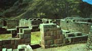 pisaq inca walls