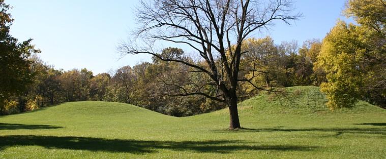 Cahokia Mound 67 (right) and Mound 68 38.652167N 90.068778W GPS