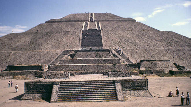 Piramide del Sol,  Pyramid of the Sun, Teotihuacan, Mexico