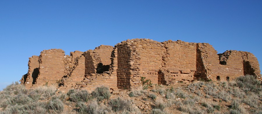 themes of ruins of a great house